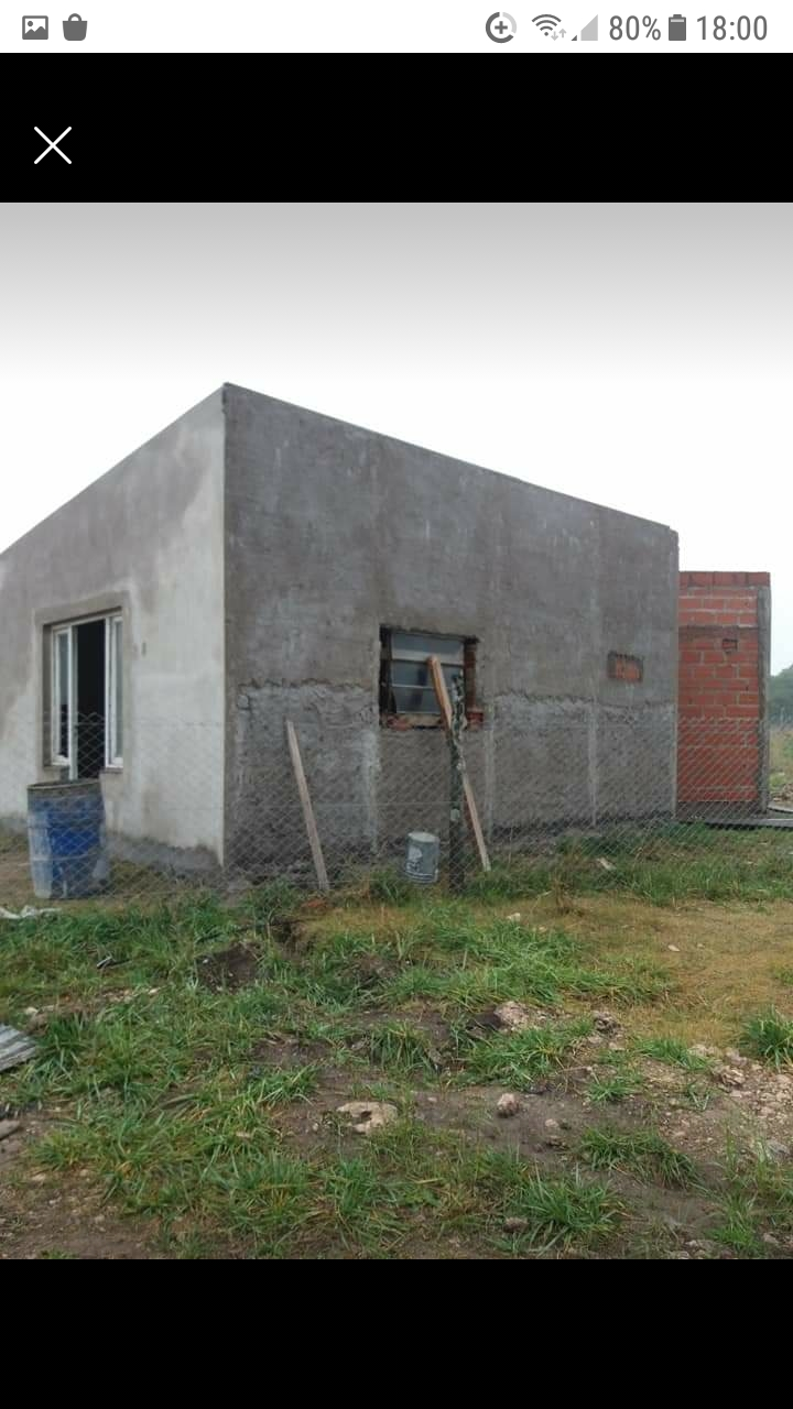 Terreno Con Casa A Terminar