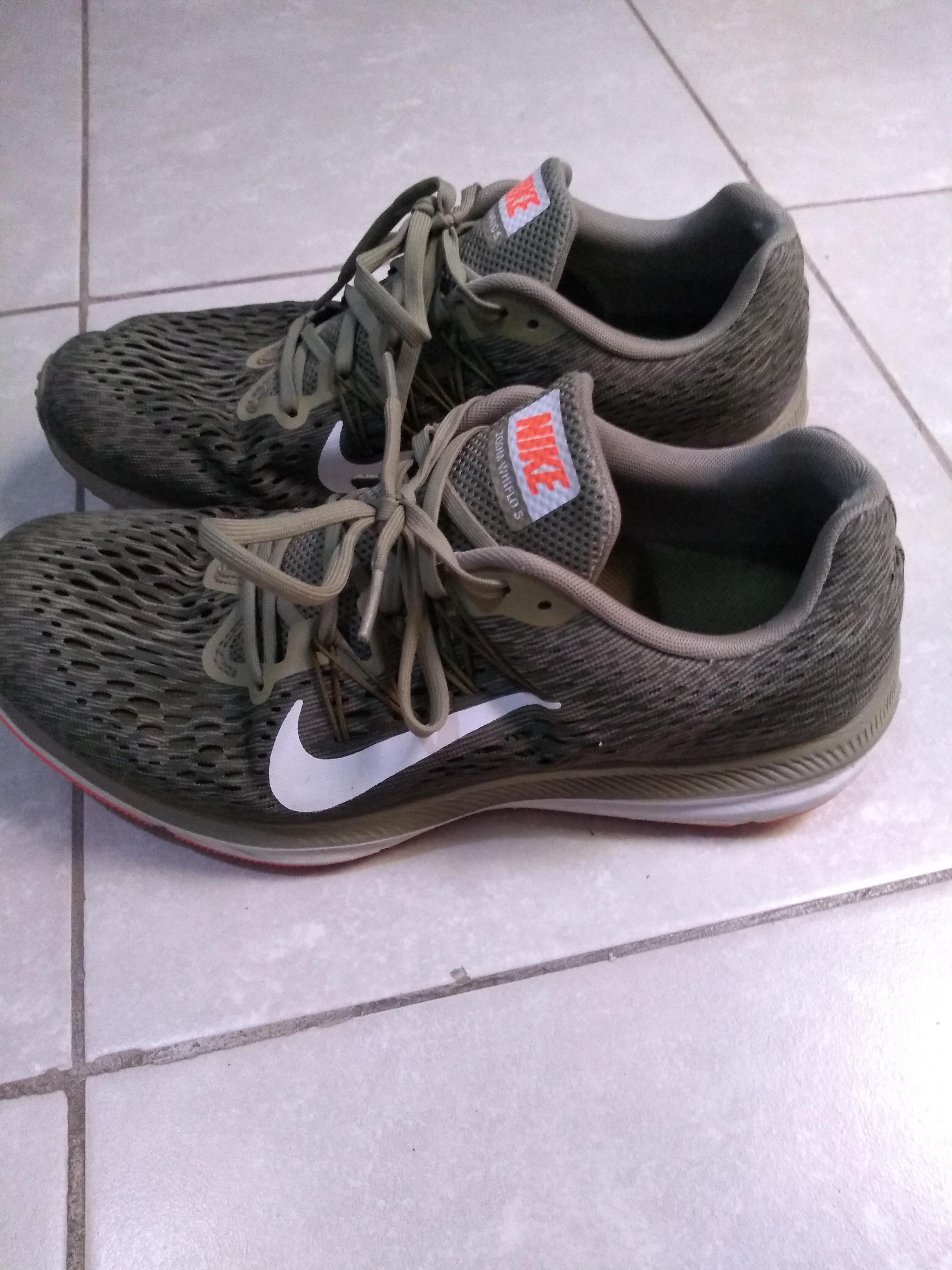 Zapatillas Nike num41 Reloj