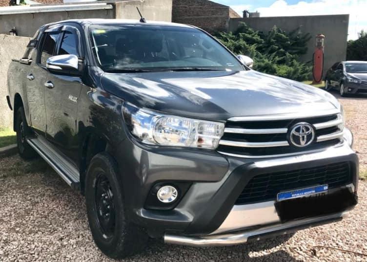 Toyota Hilux dx 4x4 2016