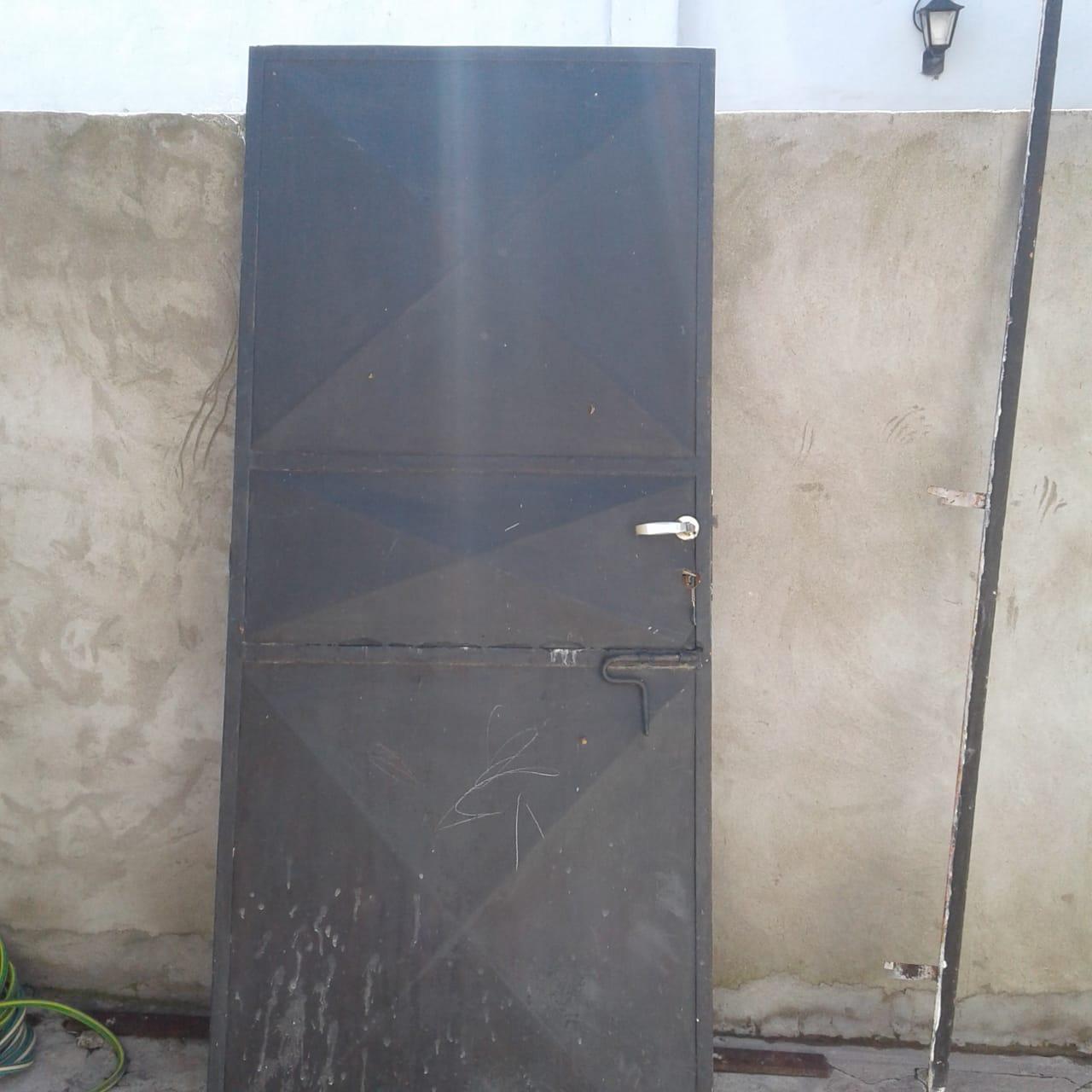 Puerta hierro chapa
