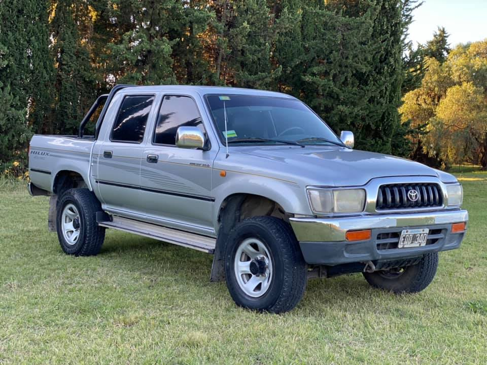 Toyota Hilux SR 3.0 4x4 2003