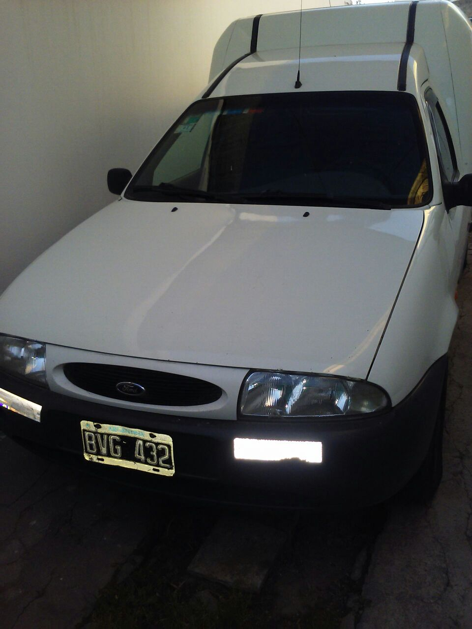 FORD COURIER D 1998
