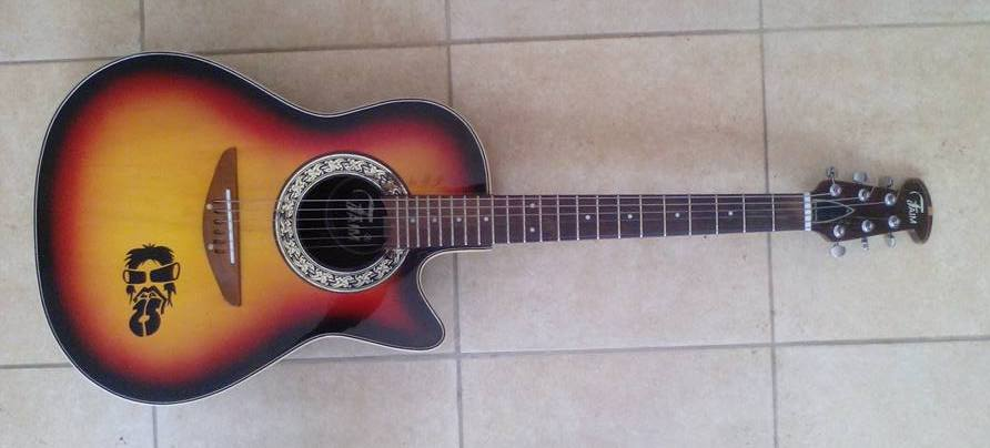 Guitarra ACUSTICA FAIM