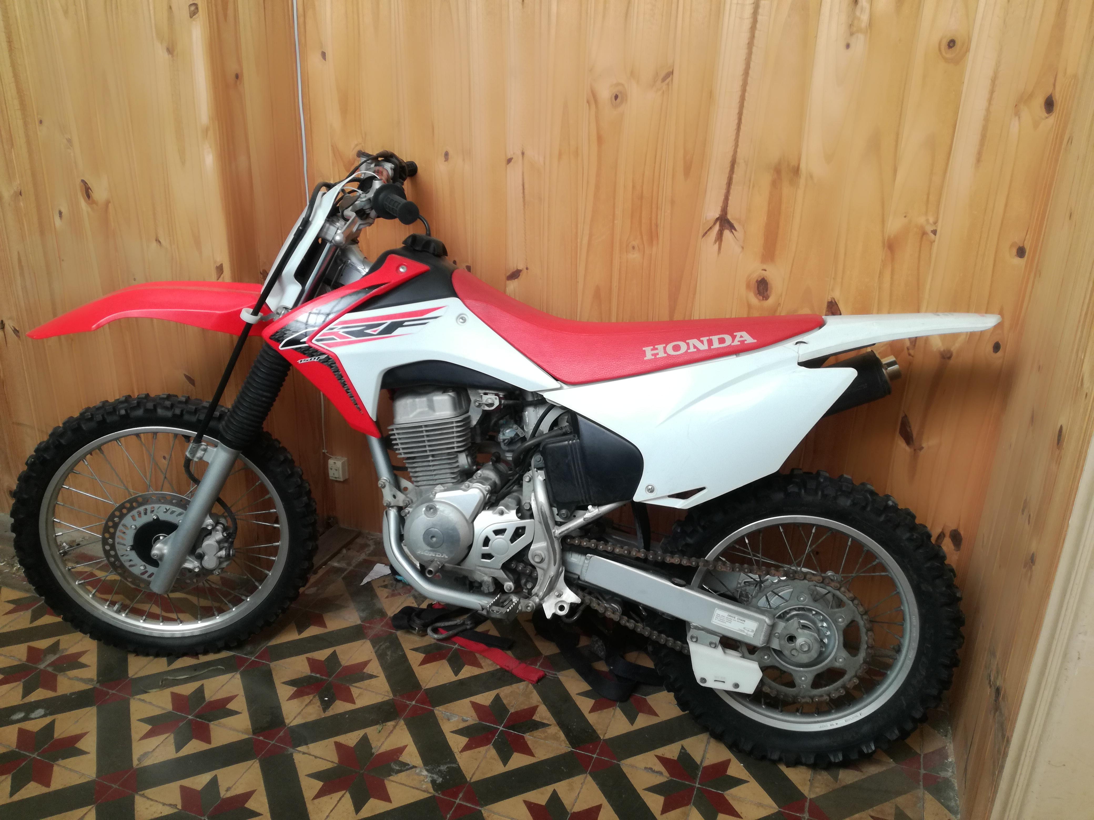 MOTO HONDA CRF 150 2017