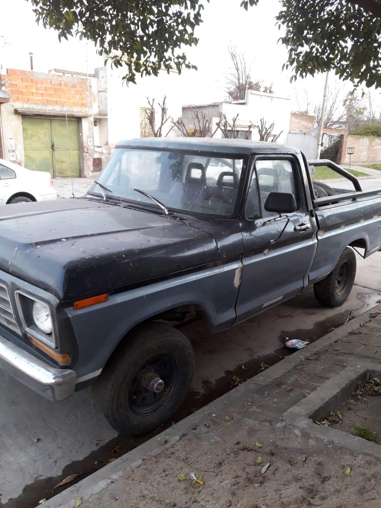 VENDO camioneta ford F100