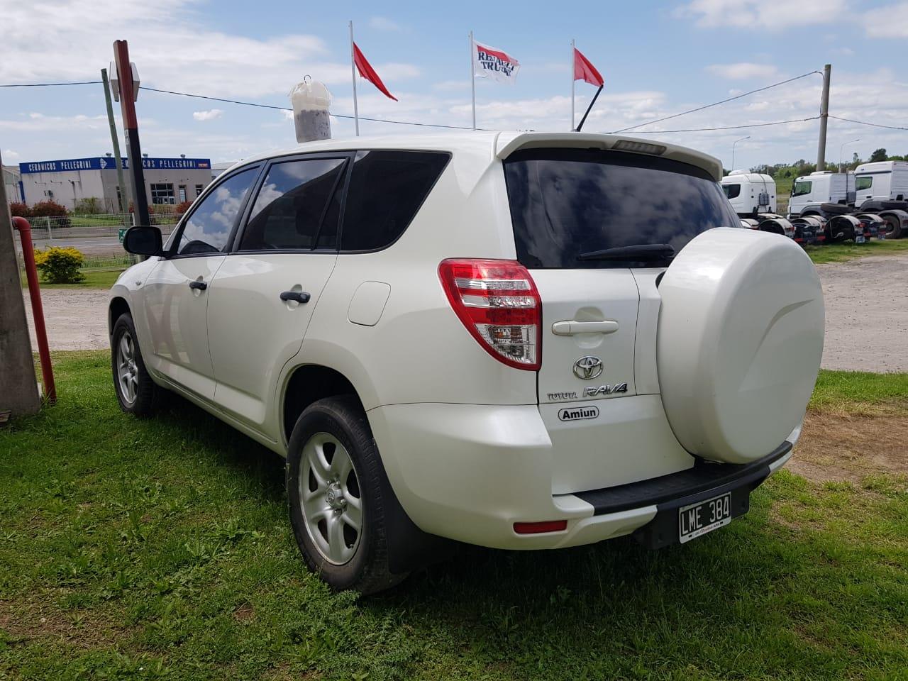 Toyota Rav4 .