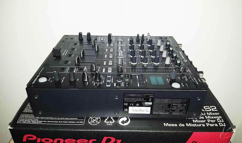 DJ-Mixer-Pioneer-DJM-900NXS2