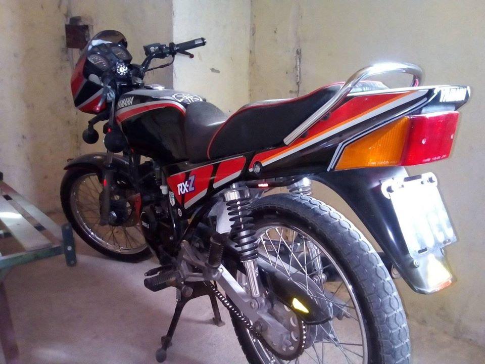 Moto Yamaha RXZ