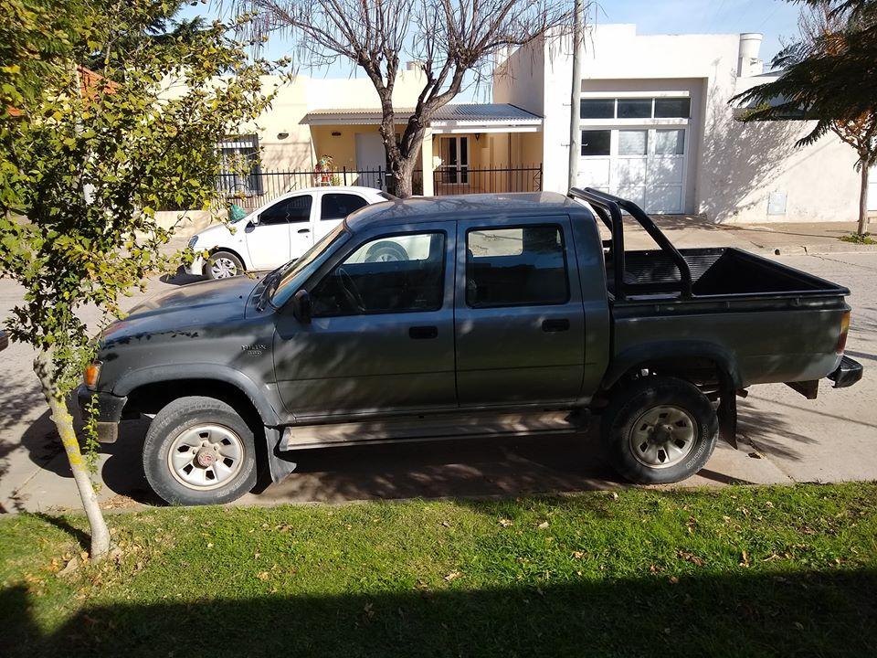 Toyota DLX 1999